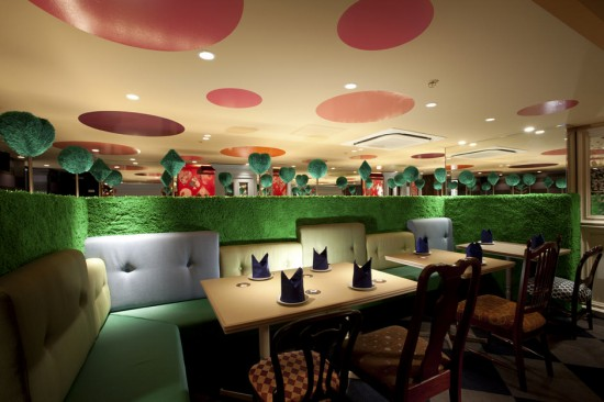 alice-in-wonderland-restaurant
