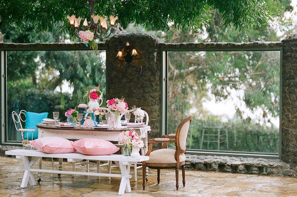 mesa azul e rosa