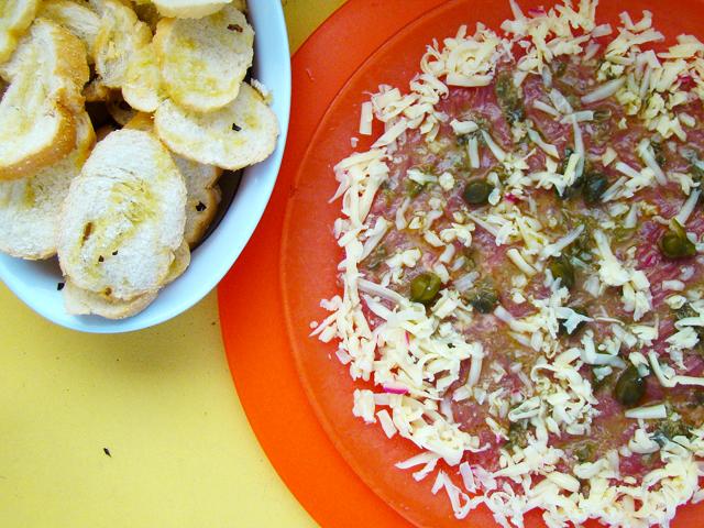 receita de carpaccio de carne com molho de alcaparras