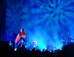 Alanis no Chevrolet Hall